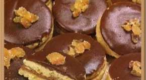 Masitas a la naranja con cubierta de chocolate