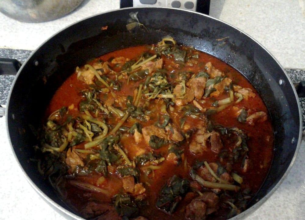 Carne de puerco con verdolagas  Recetas Mexicanas