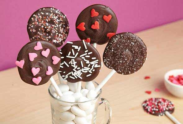Receta para hacer piruletas de chocolate  Recetas fciles