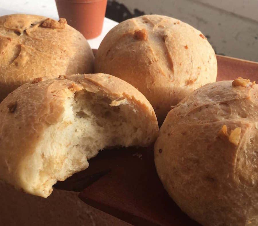 Pan con Chicharrones