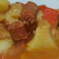 Guiso de txistorra y patatas