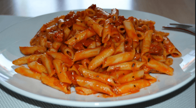 macarrones con chorizo 1 - Macarrones con chorizo: un acierto seguro