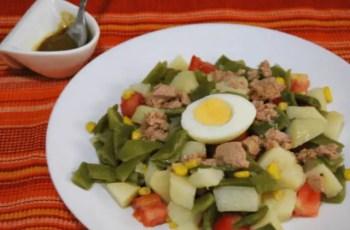 Ensalada de judias verdes con patatas y huevo - Ensalada campera facil con huevo, atun y judias verdes