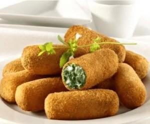 croquetas de espinacas con salsa de yogur - Recetas de entradas tradicionales