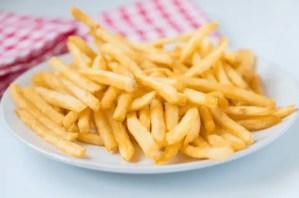 patatas chips en microondas - Recetas de entradas tradicionales