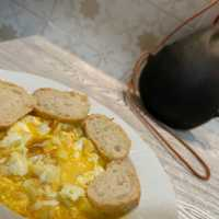 Sopa fría de huevos fritos con vinagre