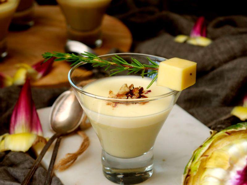 crema de alcachofas con mousse de queso
