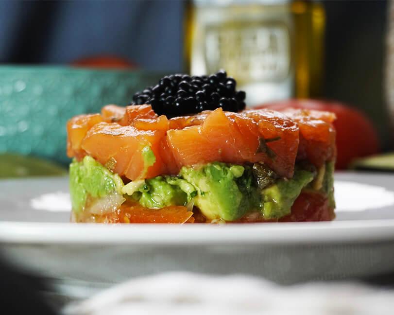 Tartar de salmón ahumado - EXQUISITO