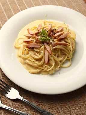 Espaguetis Con Salchicha Italiana
