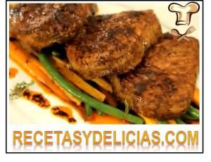medallones de filete en salsa de chiles secos