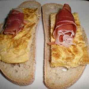 0f18514092300971a1d9467fe5706101 - ▷ Montaditos de tortilla francesa y jamón serrano 🥪