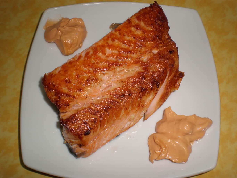 55f1af74ed6d51549d7d4b31853fd65a - ▷ Salmón frito con ajos 🐠 🧄