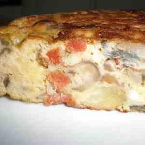 e0b863f873638efa81a0f8773b39882d - ▷ Tortilla con papas cebolla morada y chorizo 🥚 🥔
