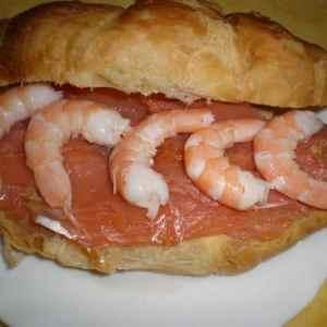 1f927a512a9909833c7b57ab40062fc5 - ▷ Croissant de salmón y de gambas 🥐