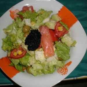 5cf8d68adfbc926b964baa0e9f5b8056 - ▷ Ensalada con sucedáneo de caviar 🥗