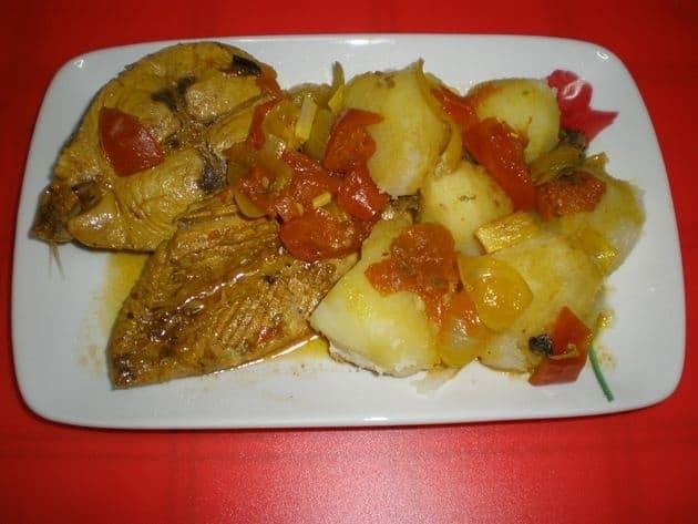 24f13dfd02fd46bd71a7e0abea42e3b3 - ▷ Cola - cabeza y ventresca de atún en salsa 🐠 😋
