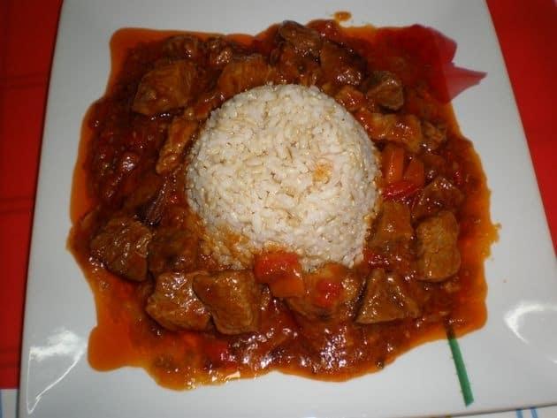 ▷ Ternera en salsa con coles de Bruselas 🐄 🍲