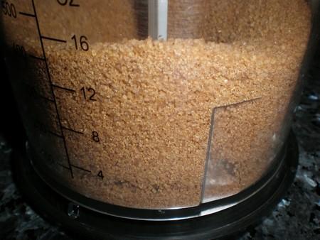 Moler azúcar integral