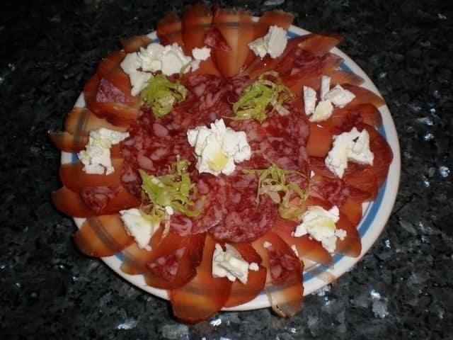 ▷ Ibéricos con desmigado de queso 😋 😋