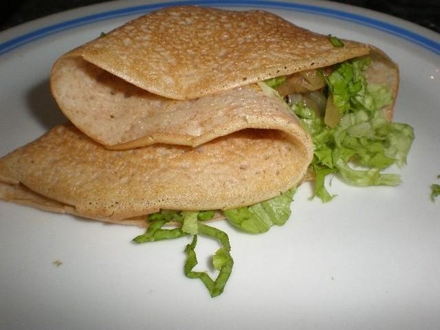 Crepes integrales con pollo y verdura