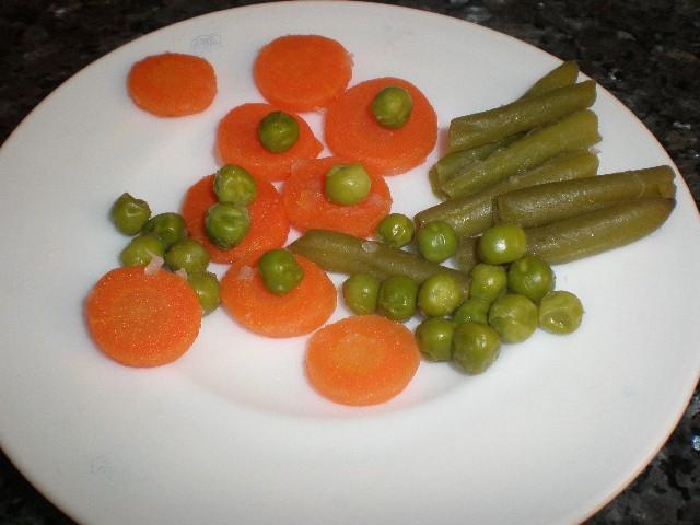 Verdura para decorar la ensaladilla
