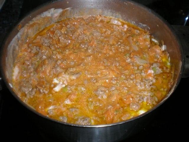 Mezclar tomate y nata 2
