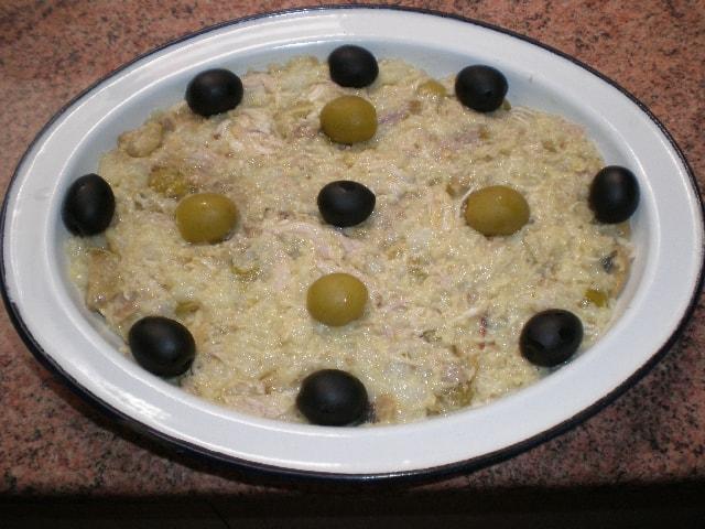 Ensaladilla de pollo y olivas