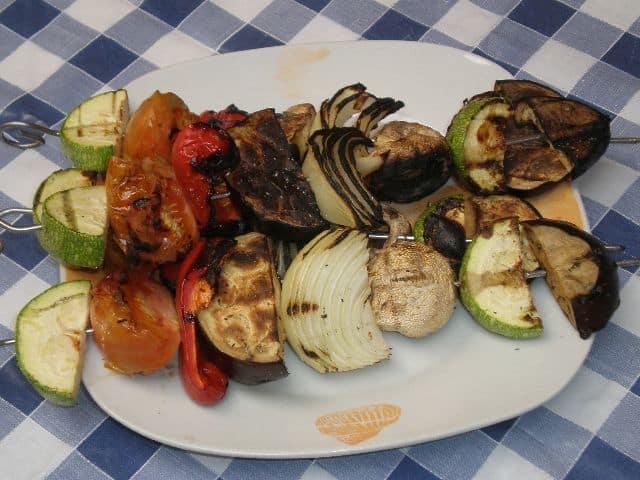 Brochetas de verdura a la barbacoa