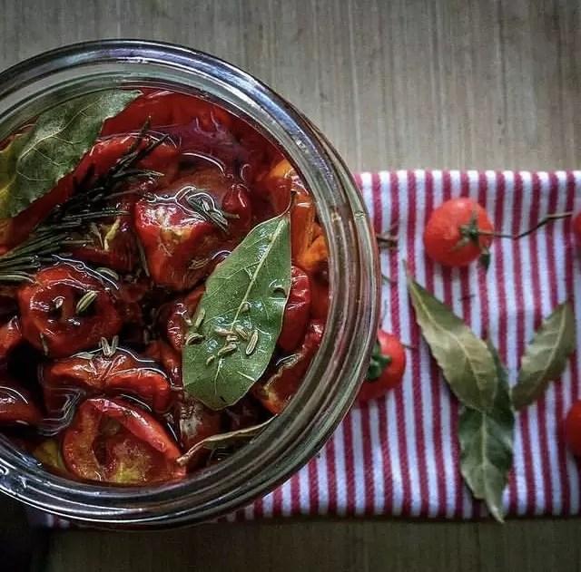 Tomates séchées à l'huile à la sicilienne