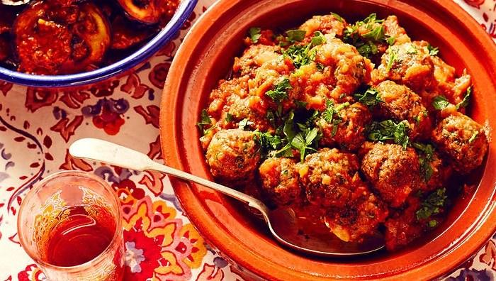 Recette de tajine de keftas au poulet et couscous épicé