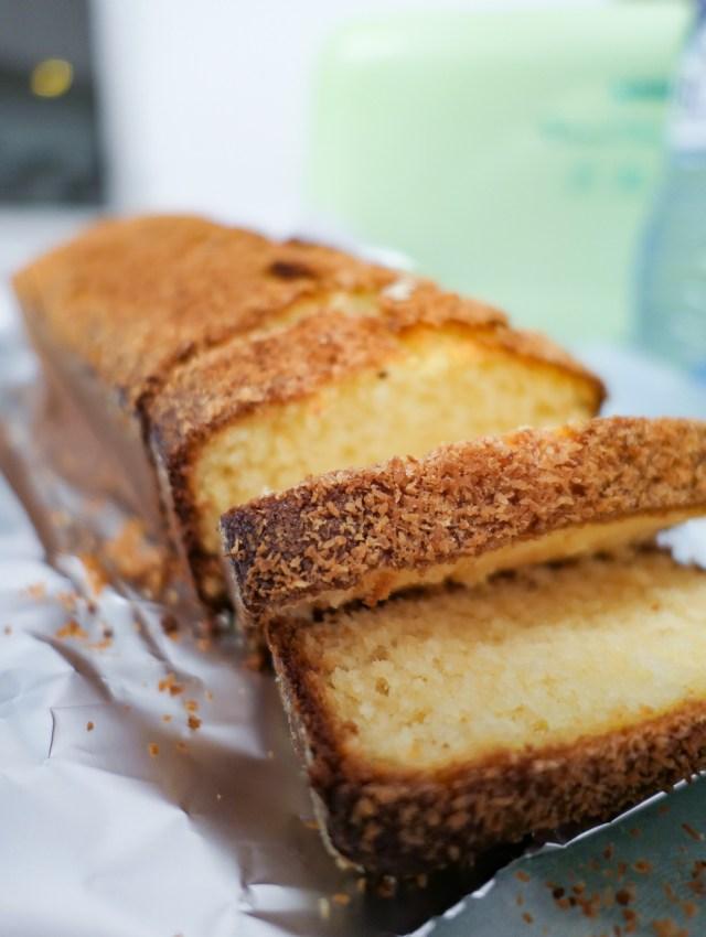 cake moelleux au chocolat blanc et à la noix de coco