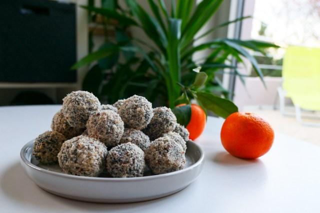 Energy Balls aux noisettes et à la spiruline (vegan)