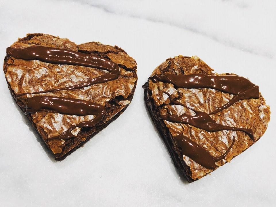 #recettefamille #recettesansnoix #recettesansarachide #recettedessert #recettebrownies #recettebrownie #brownie #recettechocolat #recettestvalentin #valentin #stvalentin #recettechocolat #brownie