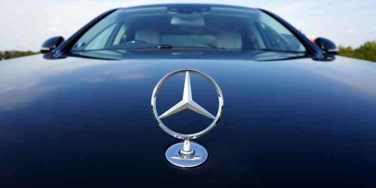 black mercedes benz car