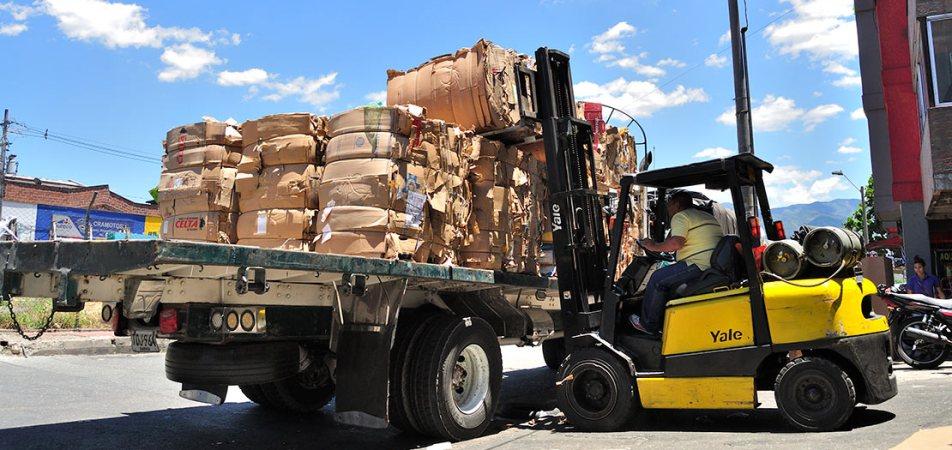 En riesgo el reciclaje de cartón y vidrio en el Valle de Aburrá