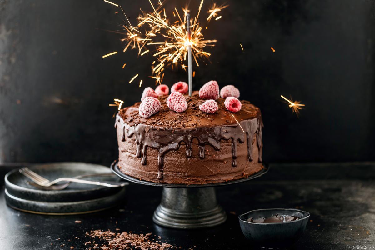 SchokoladeHimbeer Geburtstagstorte  Rezepte  foobych