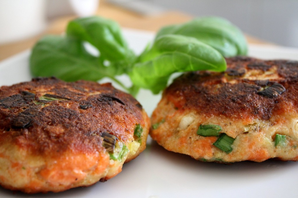 Salmon Burger, Photo by Alexa, Flickr commons