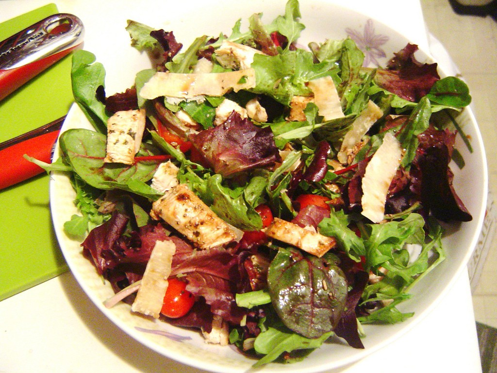 Tangy Sweet Grilled Chicken Salad, photo by Jannica Choi, Flickr commons