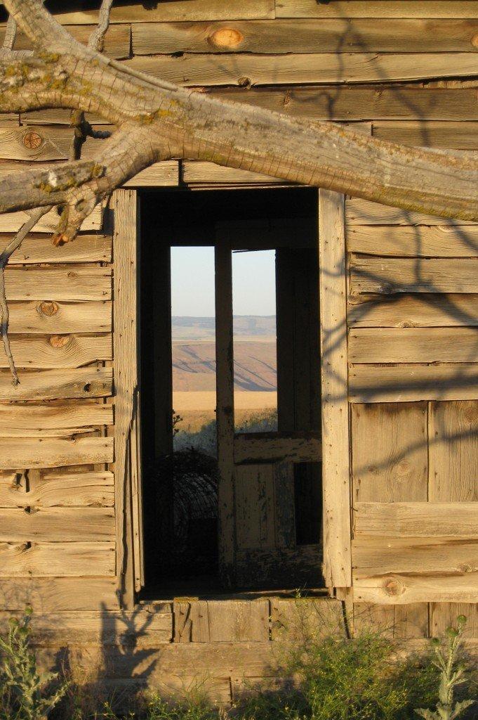 desert farmhouse photo