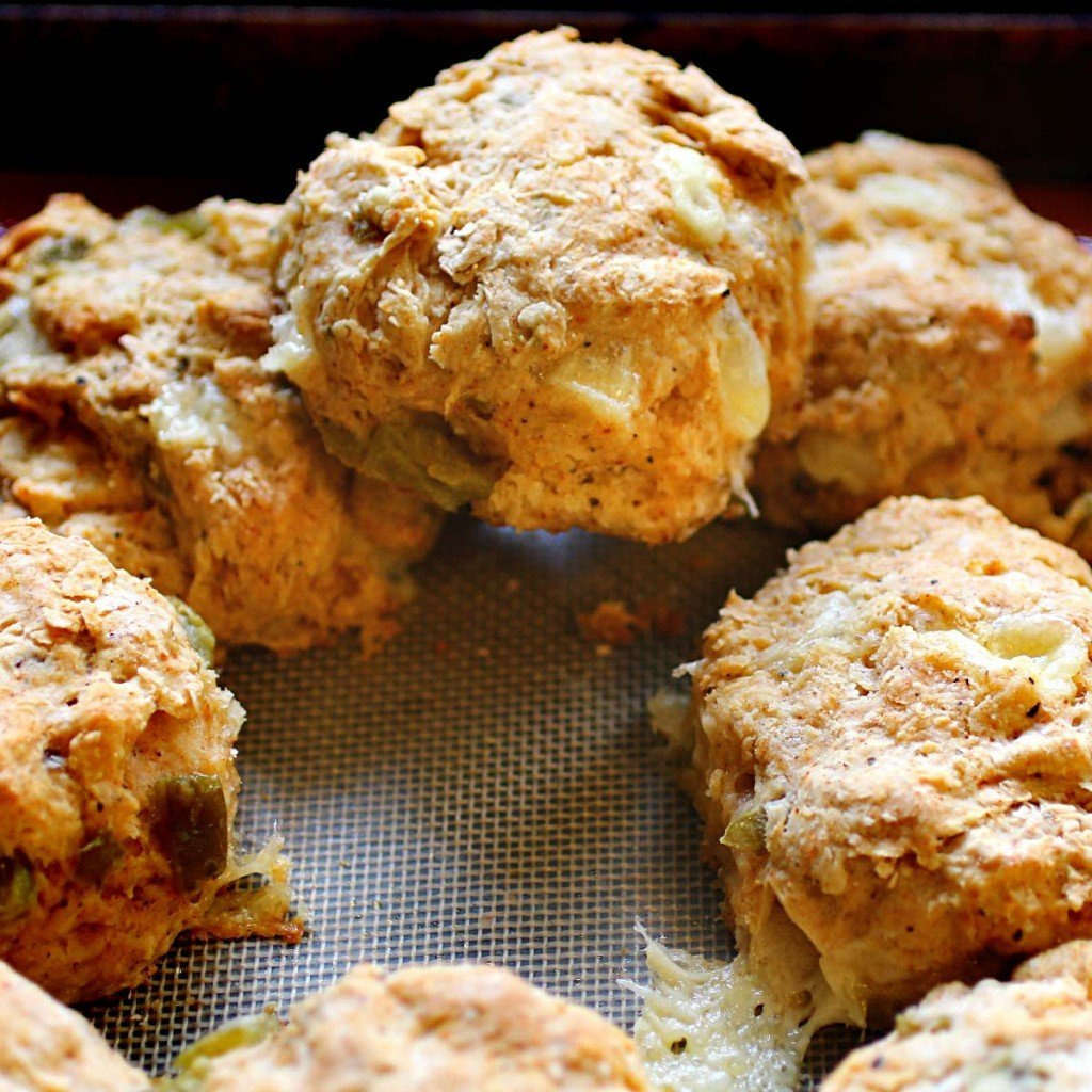 green chile cheese biscuits