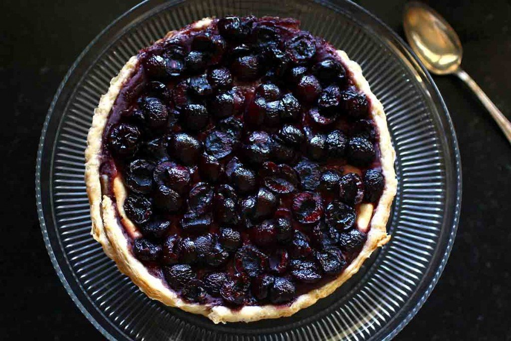 fresh sweet cherry cheesecake tart