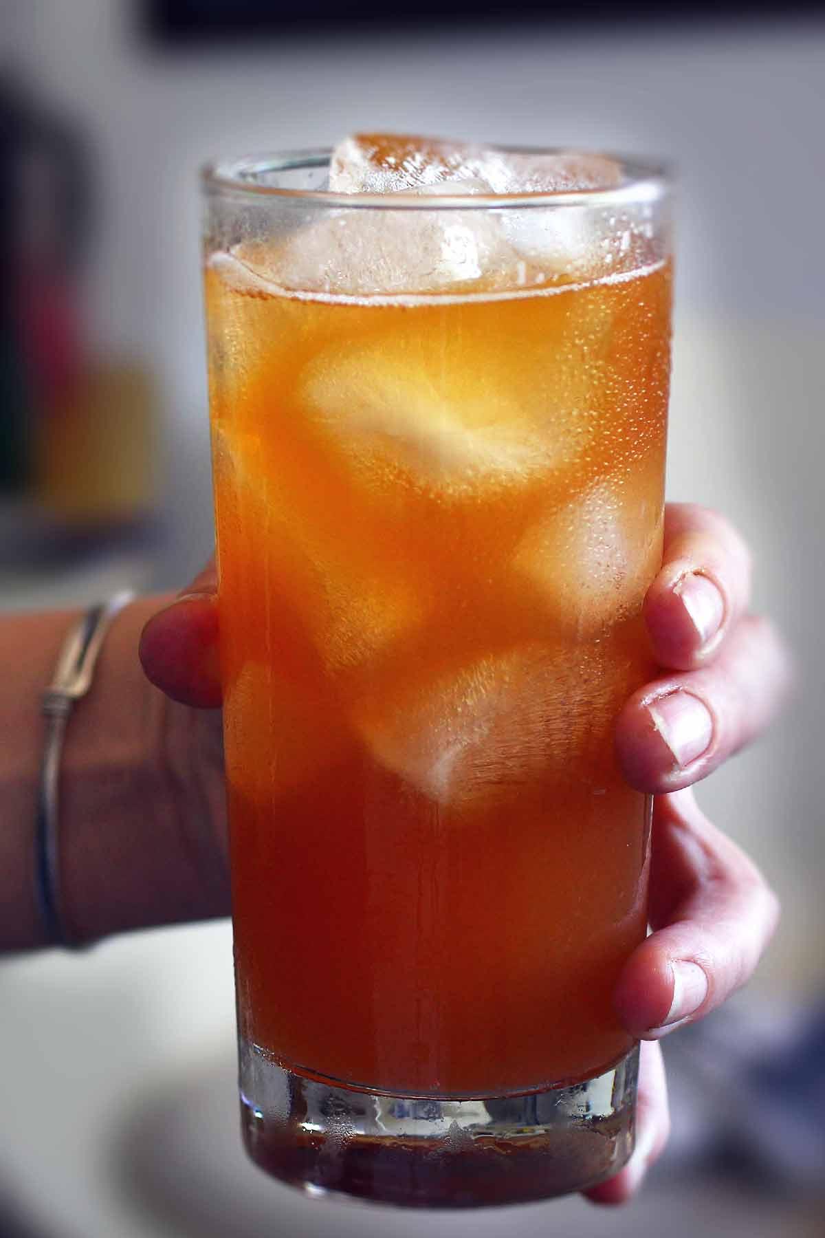 Iced tea and vodka drink recipes for Tea infused vodka cocktails