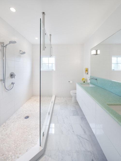 long narrow bathroom 2