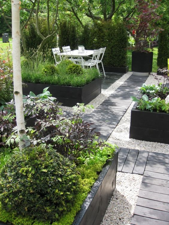 minimalist backyard garden 10