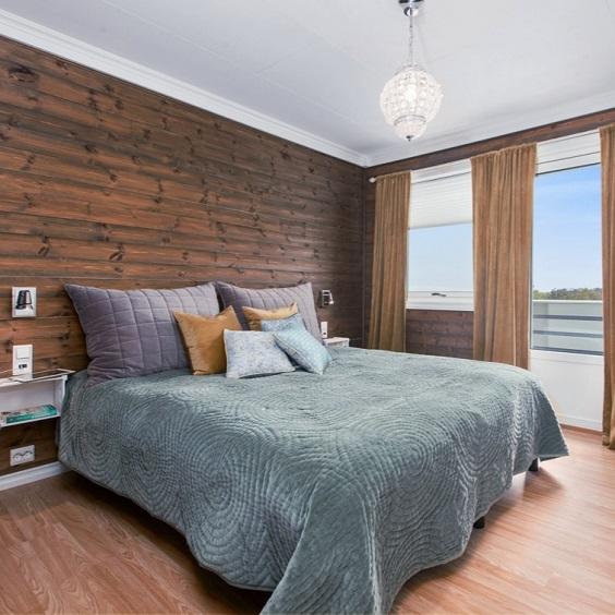 Minimalist Bedroom Design 7