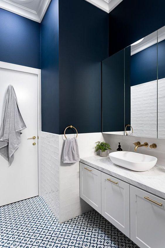 navy bathroom 15