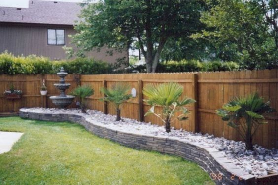 fence landscaping ideas 3