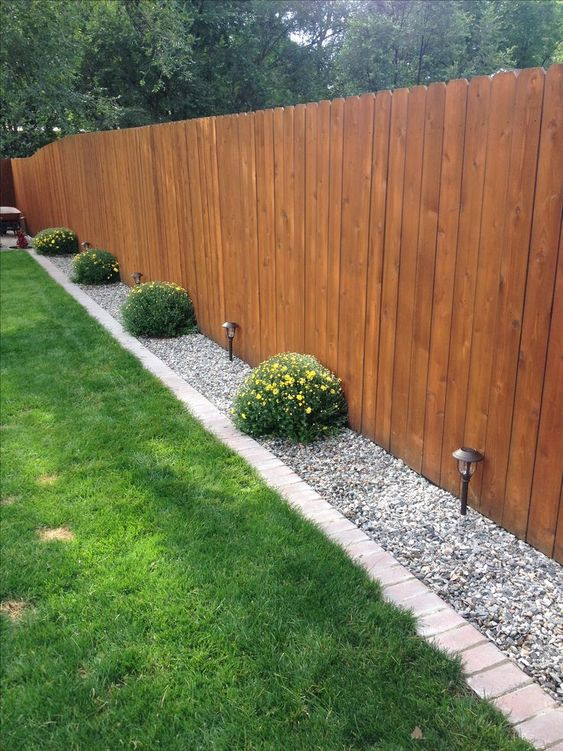 fence landscaping ideas 4