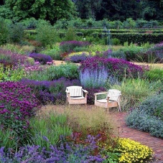 flower-backyard-ideas-19