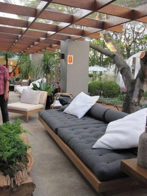 Backyard Furniture Ideas: Gorgeous Cozy Sleepers
